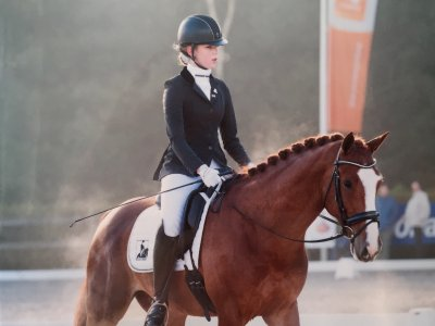 Margot met twee paarden geselecteerd voor Kampioenschappen